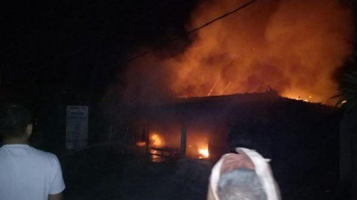 Keterangan Saksi Kebakaran di Tegal Lantang, Ada Ledakan Disusul Asap Tebal