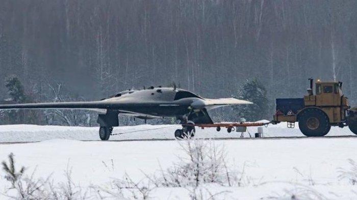 Drone Tempur Siluman Rusia yang Paling Dirahasiakan Tertangkap Kamera, Okhotnik-B Sangat Mematikan