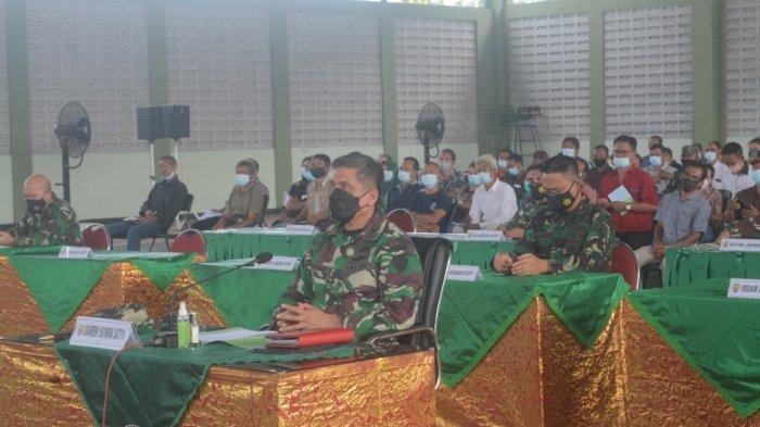 Para Orangtua/Wali Casis Secata PK TNI AD di Kodam Udayana Ikuti Vidcon Kasad Andika Perkasa