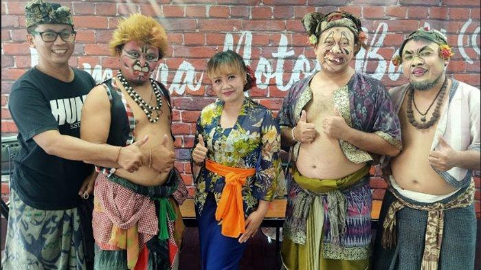 Penyanyi Pop Bali Dek Ulik Hadir Sebagai Bintang Tamu Dalam Acara Makedekan Ajak Clekontong Mas