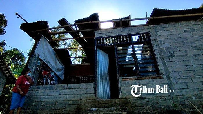 Enam Rumah Warga Rusak, Angin Puting Beliung di Buleleng dan Pohon Tumbang di Klungkung
