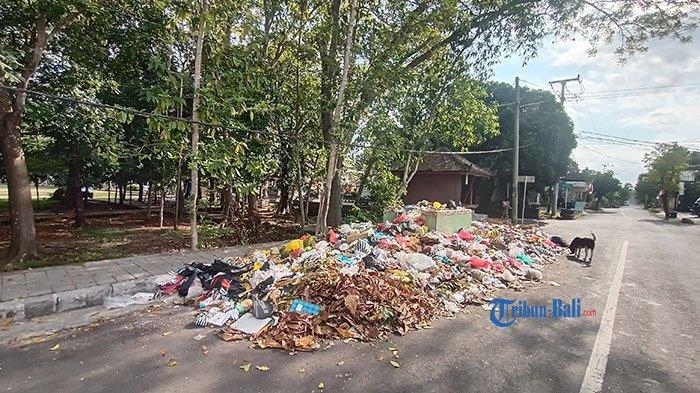Sampah di Tempat Penampungan Meluber, Dua Alat Berat di TPA Tabanan Sedang dalam Perbaikan