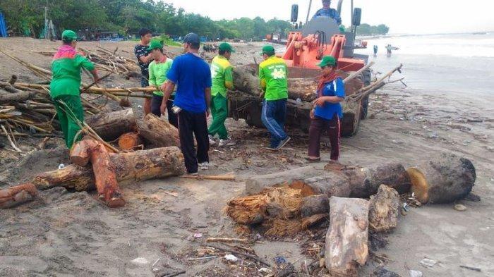 Pantai di Bali Kuta Hingga Canggu Diserbu Sampah, DLHK Kerahkan 4 Alat Berat