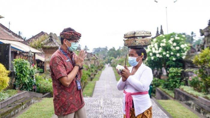 Sandiaga Uno Apresiasi Wisnus Berdatangan ke Desa Penglipuran, Wisman Baru Bisa di Akhir Tahun