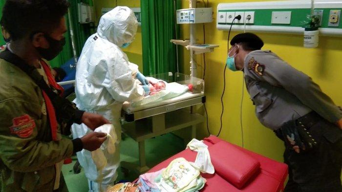 Empat Personil Polsek Blahbatuh Selamatkan Ibu Melahirkan, Bayi Lahir di Mobil Patroli