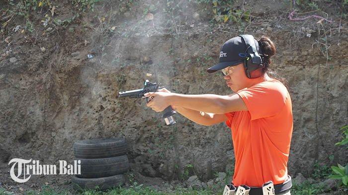 Kisah Sarah Sang Penembak, Rela Tunda Kuliah S1 Demi Raih Prestasi Juara World Shoot 2020