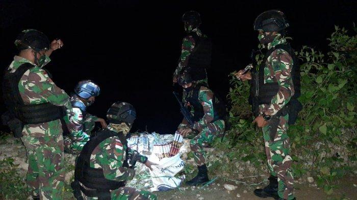 Patroli 'Jalan Tikus' di Perbatasan, Satgas Kodam IX/Udayana Gagalkan 2 Upaya Penyelundupan Petasan