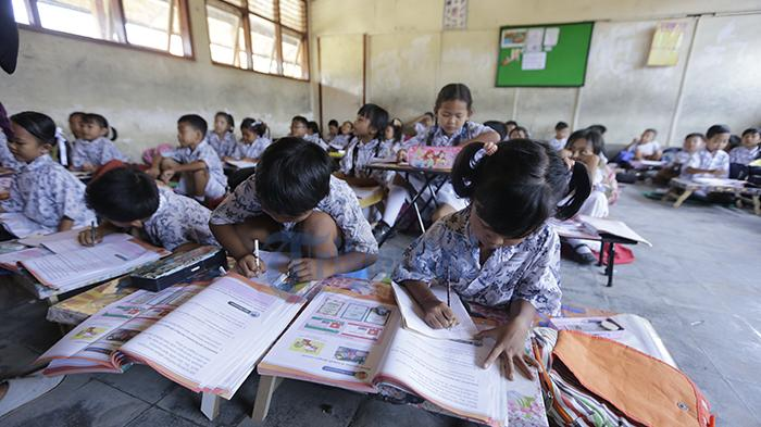 Beasiswa Rp 134 Miliar untuk 106.949 Siswa Miskin di Bali