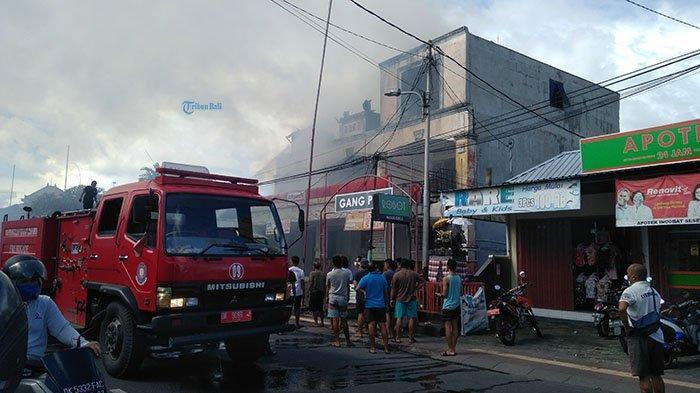 Polisi Masih Selidiki Penyebab Kebakaran Gudang Alfamart di Denpasar, 2 Pelinggih Juga Ikut Terbakar