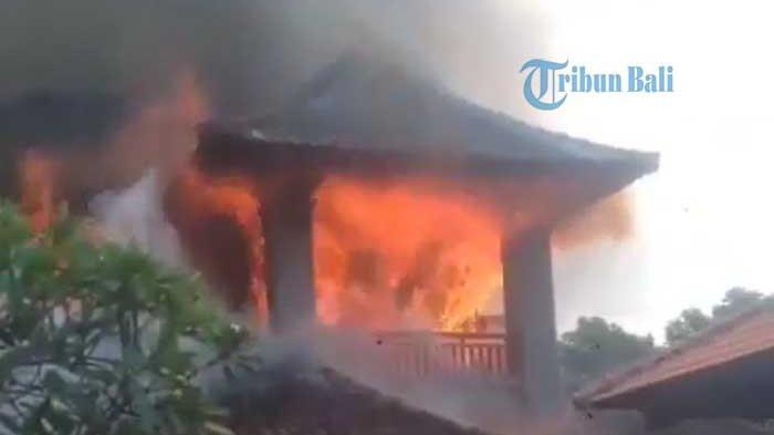 BREAKING NEWS: Rumah Lantai II Terbakar di Banjar Perang Desa Lukluk Mengwi Badung