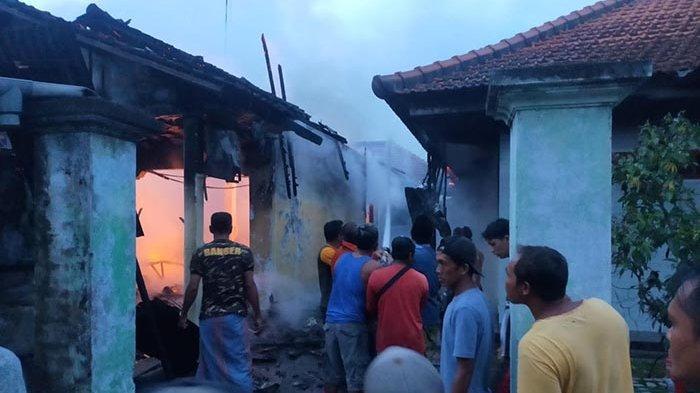 Akibat Korsleting Listrik, Satu Rumah Ludes Dilalap Api di Gang Sempit Banjar Kelapa Balian Jembrana