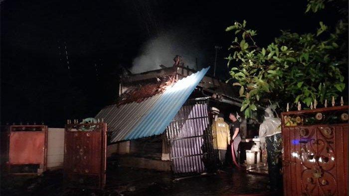 Diawali Korsleting Listrik, Warung Made Murniani Lalu Terbakar,Kerugian Ditaksir Puluhan Juta Rupiah