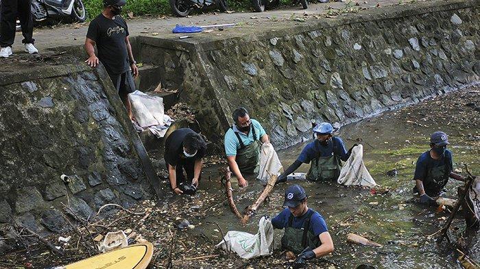 6 Bulan Kumpulkan Sampah 50 Ton di Sungai, Rencana Pasang Trash Barrier di 100 Titik di Bali