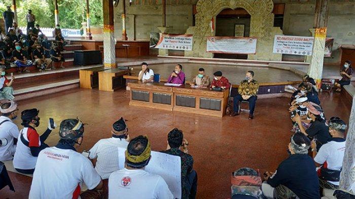 Tuntut Pencabutan Pengayoman Hare Krisna, Massa Forum Koordinasi Hindu Geruduk DPRD Bali