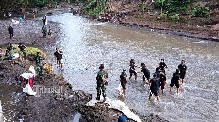 World Cleanup Day, Komunitas Masyarakat Bersama TNI Bersih-Bersih Sungai Ayung