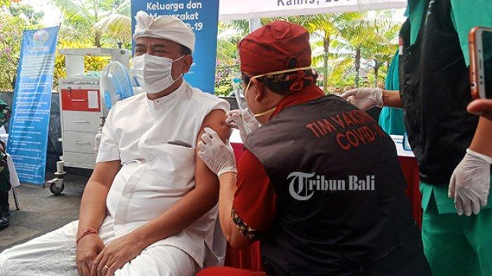 Sejumlah Pejabat di Bangli Bali Tak Hadir Saat Vaksinasi Covid-19 Hari Pertama