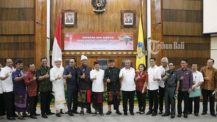 Satu Suara Perjuangkan RUU Provinsi Bali, Gubernur Bawa Usulan RUU ke DPR RI 23 Januari 2019