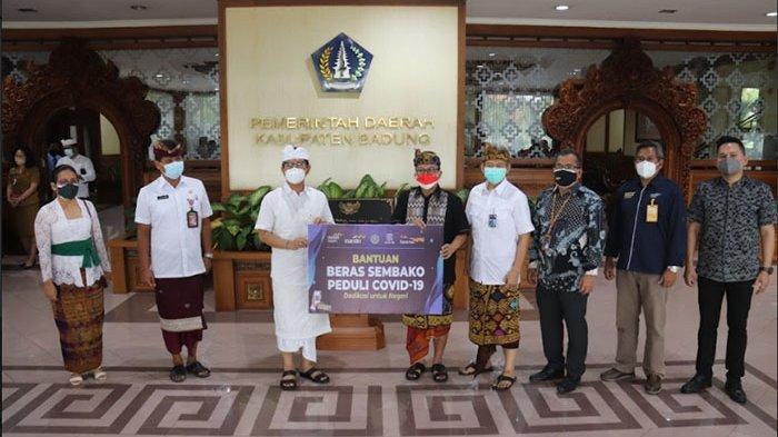 Pemkab Badung Terima Bantuan Beras 4 Ton dan Paket Sembako dari BI Perwakilan Bali