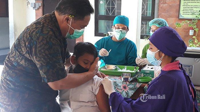 112 Siswa SDN 3 Sesetan Denpasar Ikut Imunisasi Campak, Ajang Kenalan dengan Guru dan Teman