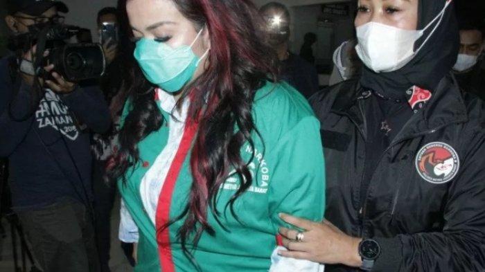 UPDATE: Geledah Kamar Istri Ajun Perwira, Polisi Temukan Sabu di Lemari Jennifer Jill