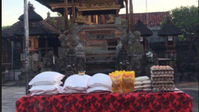 Desa Adat Guwang Gianyar Bagikan Sembako 'Paica Ida Bhatara' untuk Hadapi Covid-19