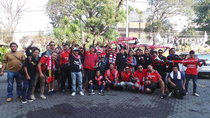 Tiba di Malang, Semeton Dewata Nyanyikan Yel Dukung Bali United