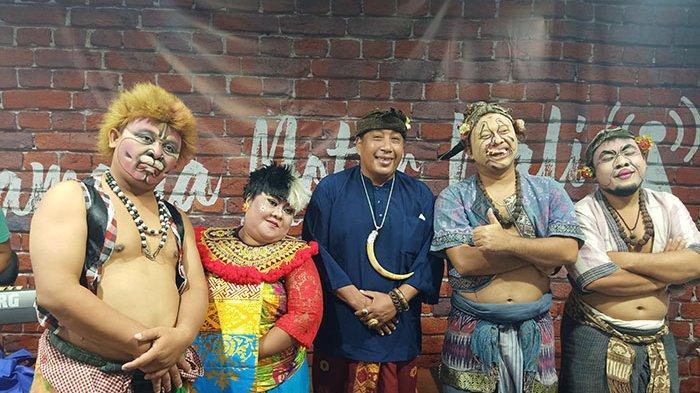 Sosok 'Ayu Maenah', Seniman Bali yang Telah Tampil Keliling Indonesia