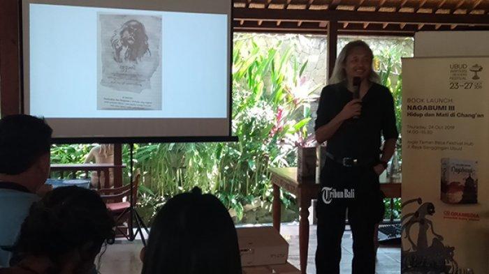 Seno Gumira Ajidarma Lahirkan Buku 100 Persen Fiksi dan 100 Persen Fakta