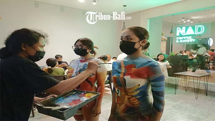 Coffee Shop di Gianyar Ini Hadirkan Kegiatan Body Painting Bertemakan Kemerdekaan Republik Indonesia