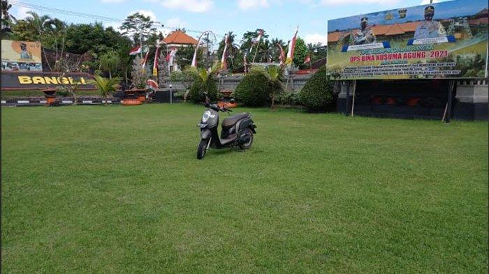 Parkir Sembarangan, Sepeda Motor Anggota Polres Bangli Dipindahkan ke Lapangan
