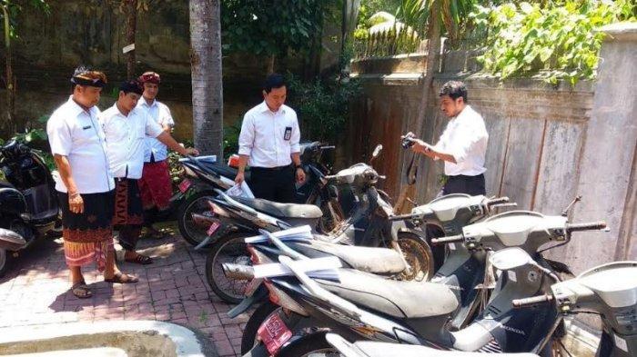 Ada Yang Mau Sepeda Motor Rusak Berat Dilelang Pemkab Klungkung Tribun Bali