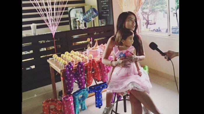 Rayakan Ultah Putrinya, Sheila Marcia Kini Terlihat Lebih Cantik dan Terawat
