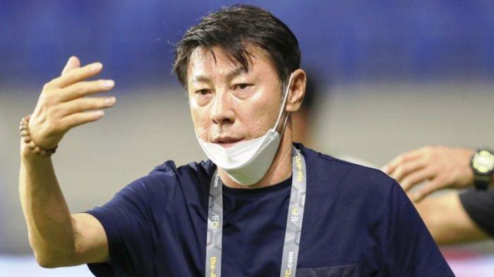 Shin Tae-yong Sebut Keptusan Kontroversial Wasit Buat Anak Asuhnya Kehilangan Konsentrasi