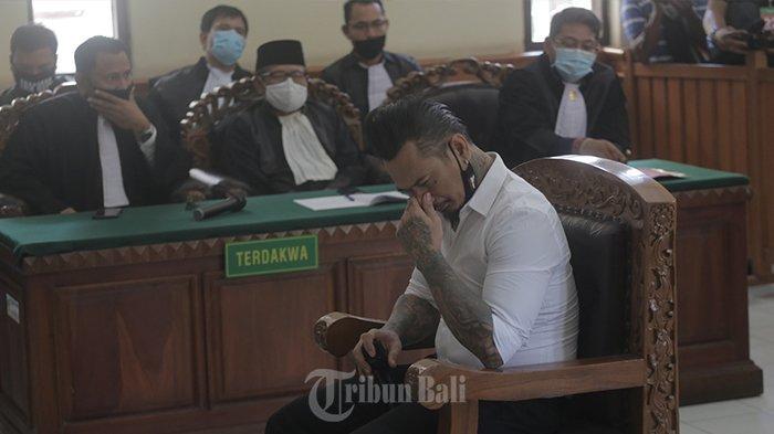 BREAKING NEWS! Jerinx Divonis 1 Tahun 2 Bulan Penjara, Dinyatakan Terbukti Bersalah