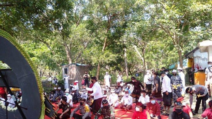 Pangdam IX/Udayana Turut Beri Penghormatan Terakhir Bagi Prajurit KRI Nanggala 402 yang Gugur