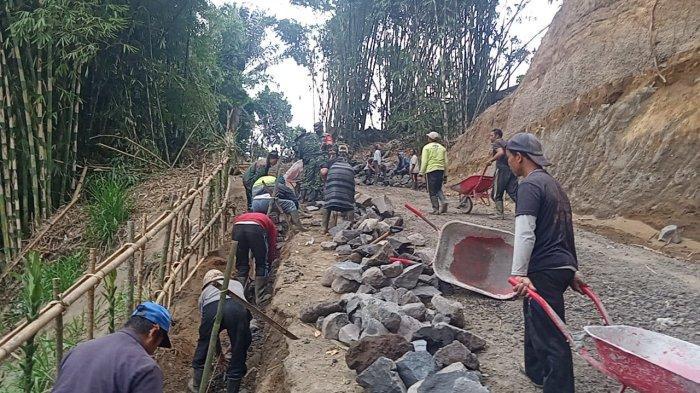 Kodam IX/Udayana Majukan SDA dan SDM Desa Pengotan Bangli Melalui TMMD ke-112