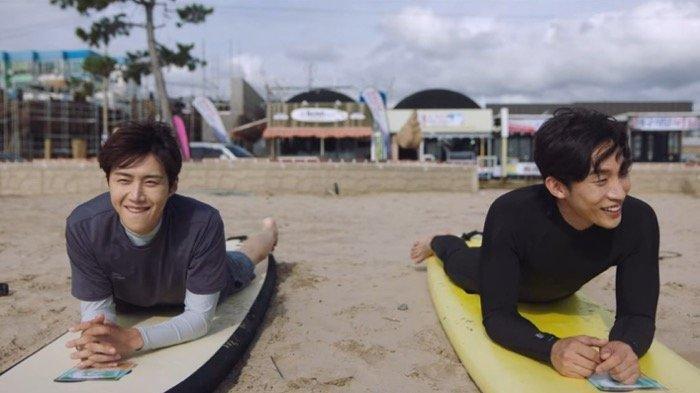 Sinopsis Drama Korea Hometown Cha-Cha-Cha Episode 8, Hye Jin Menguji Perasaannya Kepada Doo Sik