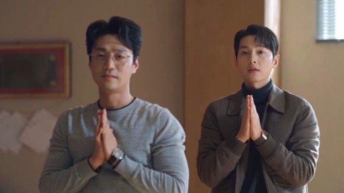 Sinopsis Drama Korea Vincenzo Episode 13, Vincenzo & Hong Cha Young Mempermalukan Jang Han Seok