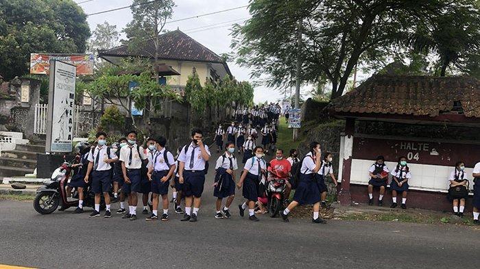 Siswa SMP 1 Melaya Nampak Mulai Belajar ke Sekolah, Disdikpora Jembrana: Masih Klinik Pembelajaran