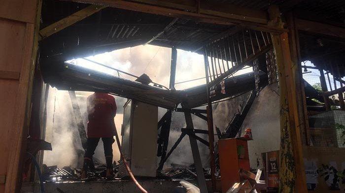 Bakar Kertas Tidak Diawasi, Warung Sembako di Ungasan Badung Ludes Dilalap Api