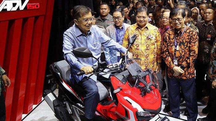 AHM Luncurkan Skutik Penjelajah Jalanan Honda ADV150 di GIIAS 2019