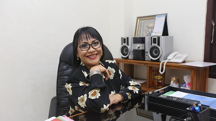Ini Loh Rektor Perempuan Pertama di Universitas Dwijendra