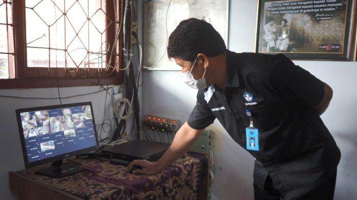 SMP 1 Semarapura Awasi Prokes Siswa Melalui Kamera CCTV, Melanggar Ditegur dengan Pengeras Suara