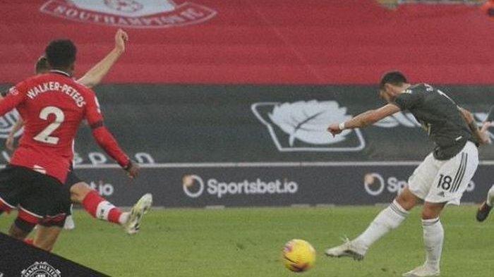 Hasil Lengkap Liga Inggris - Man United Comeback Runtuhkan Southampton, Arsenal Telan Kekalahan