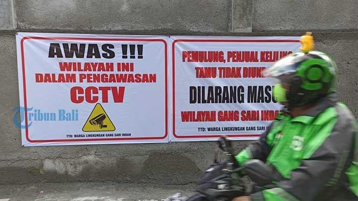 Tekan Penyebaran Covid-19 dan Kriminalitas,Lingkungan Sari Indah Tonja Pasang Spanduk Imbauan & CCTV