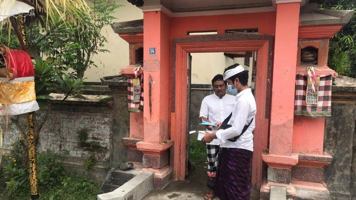 Usai Persembahyangan Galungan, Pemuda Banjar Mas Desa Sayan Membagikan Sekitar 300 Masker
