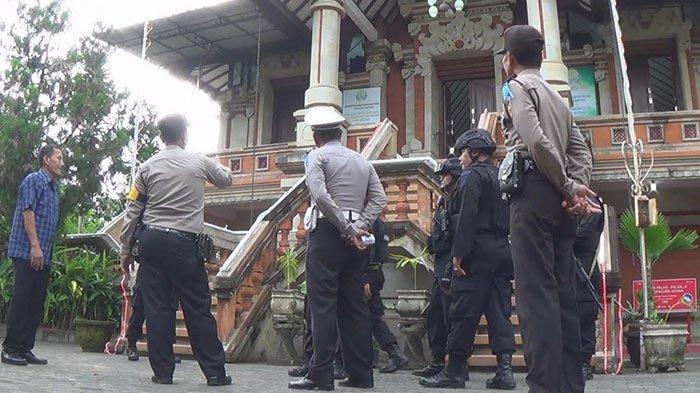 Jelang Perayaan Paskah, Ratusan Personel Polres Jembrana Perketat Pengamanan di Gereja