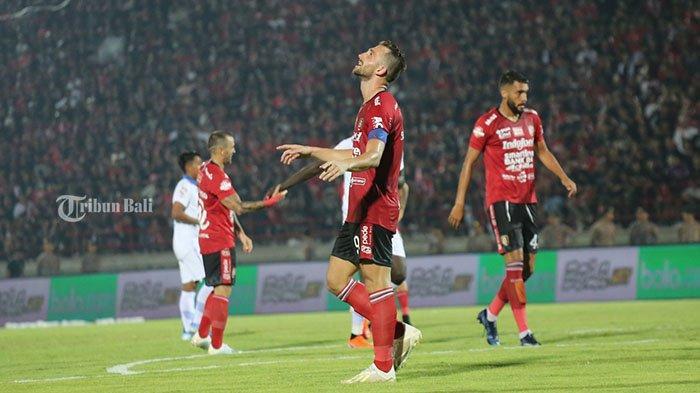 Striker Bali United, Ilija Spasojevic dalam laga Bali United vs Persib Bandung, .Coach Teco Apresiasi Perjuangan Spaso Sepanjang Laga Bali United vs Persib Bandung