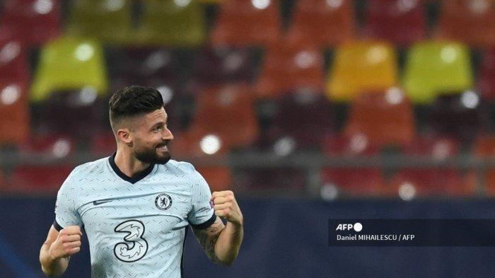 Striker Chelsea asal Prancis Olivier Giroud melakukan selebrasi setelah mencetak gol pada pertandingan leg pertama babak 16 besar Liga Champions antara Club Atletico de Madrid dan Chelsea di stadion Arena Nationala di Bucharest pada 23 Februari 2021.
