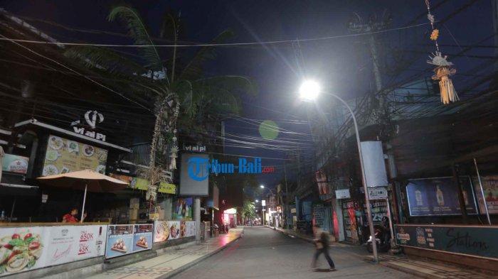 suasana jalanan di Kawasan Legian kala pandemi